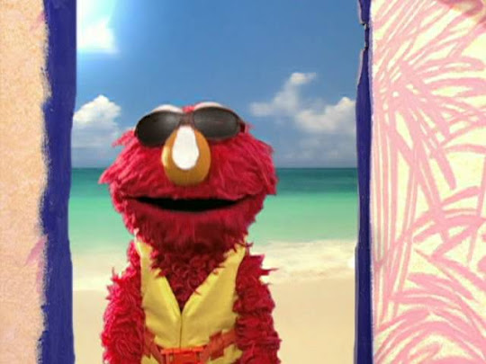 What Did You Do On Your Summer Vacation Elmo Spent A Lot Of Time At The Beach And He Wants To Tell You All About It How Do You Spread Out Towel