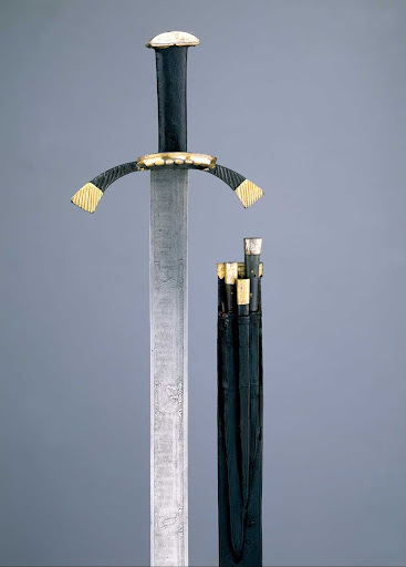 Hunting sword with calendar sword owned by Elector Friedrich the Wise