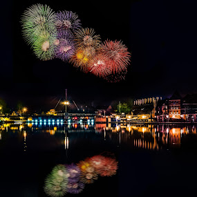 New Year's Eve in Mikolajki, Poland by Marcin Frąckiewicz - Public Holidays New Year's Eve ( new year, fireworks )