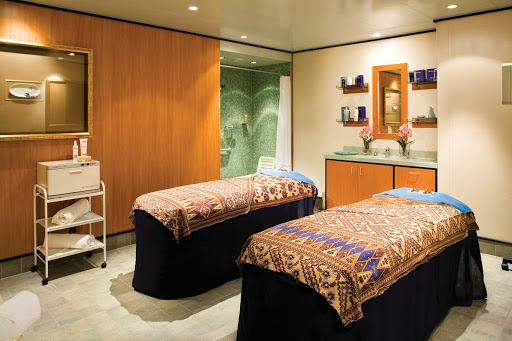 Norwegian-Jade-Treatment-Room-couples - Stop in at the Yin & Yang Spa with your partner for soothing massages at the couples treatment room.