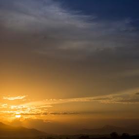 Sunrise Payangan by Vj Lie - Landscapes Sunsets & Sunrises ( payangan, sunrise, beach, vj lie )