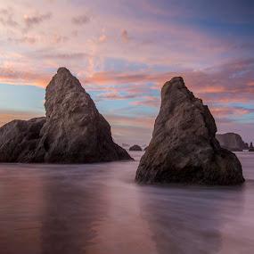 Bandon Sunset by Glenn Miller - Landscapes Waterscapes ( bandon, oregon, sunset, oregon coast, face rock, ocean )
