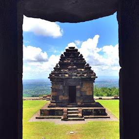Pemandangan dari dalam candi Ijo by Wawan Adi - Buildings & Architecture Public & Historical