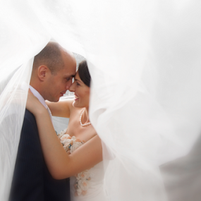 In Love by Vasiliu Leonard - Wedding Bride & Groom ( wedding photography, fotograf nunta iasi, wedding day, wedding, wedding dress, vasiliu leonard, fotografii nunti iasi,  )