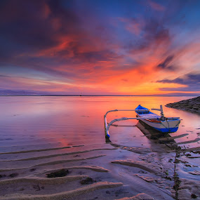 sunburn by I Made  Sukarnawan - Landscapes Sunsets & Sunrises ( sand, bali, sunset, boats, beach, sunrise, landscape )