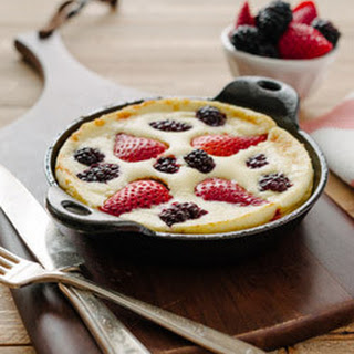 Mixed Berry Dutch Baby Pancake