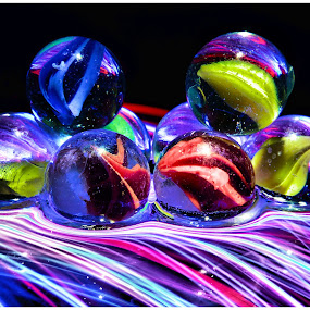 balanced marbles by Brian Rogers - Artistic Objects Still Life ( still life, marbles, spheres, artistic objects, screenssavers, glass marbles, Lighting, moods, mood lighting,  )