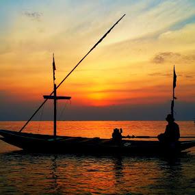 Good Morning Indonesia by Luhur Prasetyo - Landscapes Sunsets & Sunrises ( #sunrise #boat #indonesia,  )
