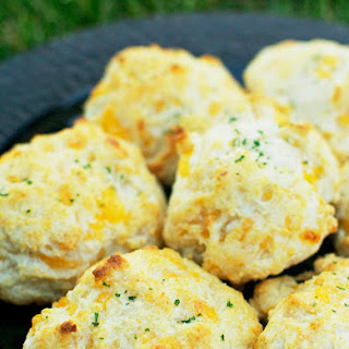 Copycat Red Lobster Cheddar Bay Biscuits.