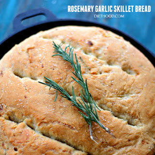 Rosemary and Garlic No-Knead Skillet Bread Recipe