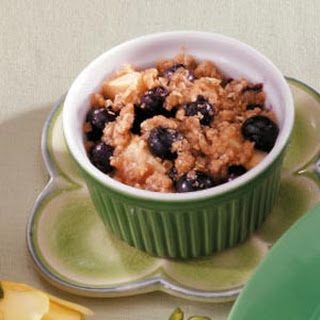 Pear Blueberry Crisps