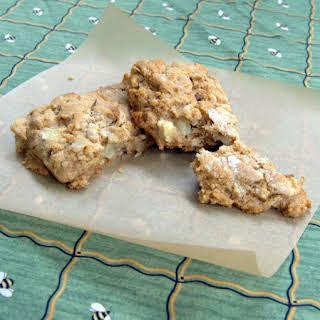 Apple Oatmeal Scones with Honey.