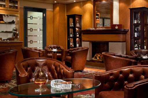 Regent-Seven-Seas-Navigator-Connoisseur-Lounge - Guests can enjoy a fine collection of ports and Cognacs along with a Cuban cigar in Seven Seas Navigator's Connoisseur Lounge.