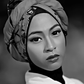 by Li Yeenz - Black & White Portraits & People (  )