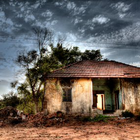 Abandoned by Vamsi Korabathina - Buildings & Architecture Decaying & Abandoned ( dynamic, haunted, house, abandoned, aloof )