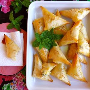 Little Cheese Pies (Tiropitakia)