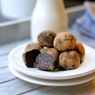 Raw Brownie Bites (Vegan, Paleo)