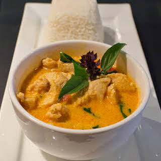 Recipe | Red Coconut Curry with Chicken & Jasmine Rice.