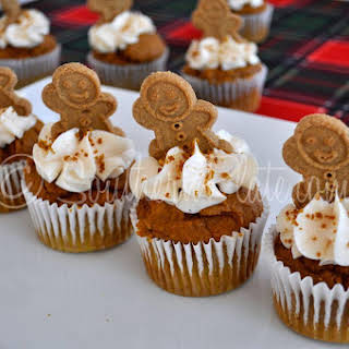 Quick Gingerbread Topped Muffins.