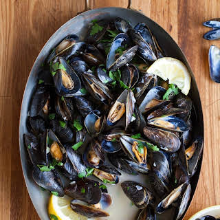How To Make Steamed Mussels.