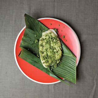 Patra ni Muchchi (Steamed Banana-Wrapped Fish)