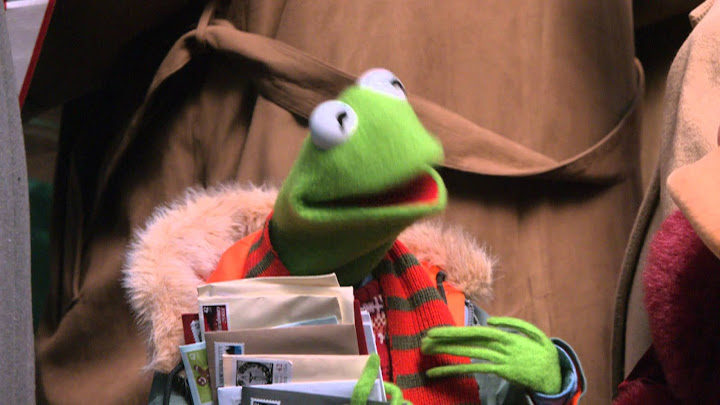 Letters to santa a muppets christmas movies tv on google play celebrate the season with all your favorite muppets in this heartwarming and hilarious holiday movie whoopi goldberg uma thurman nathan lane and other spiritdancerdesigns Gallery