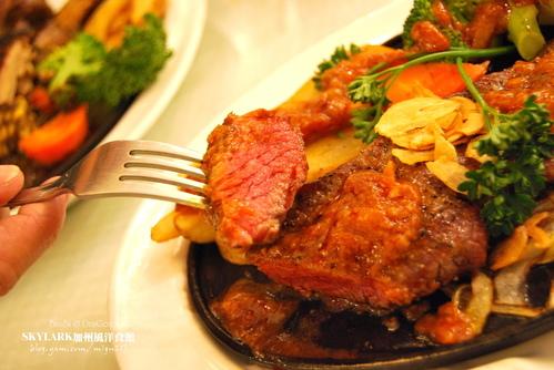 SKYLARK加州風洋食館的甜蜜牛排晚餐 (和平公園店)