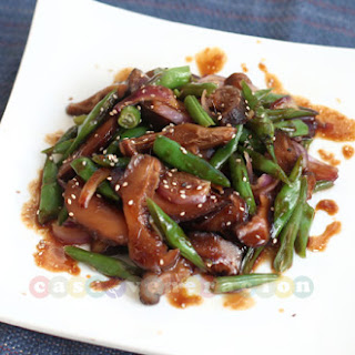 Shiitake Mushrooms And Green Beans With Teriyaki Sauce