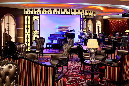 Allure-of-the-Seas-Jazz-on-4 - If you're a jazz lover, head to Allure's Jazz On 4 for live jazz performances.