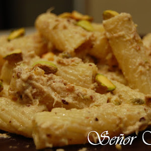 Pasta with Tuna and Pistachio Sauce