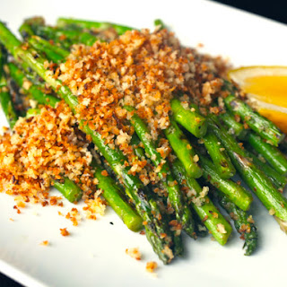 Grilled Asparagus with Lemon and Crispy Bread Crumbs