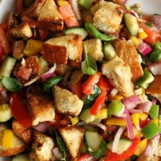 Panzanella – Italian Vegetable Salad with Bread