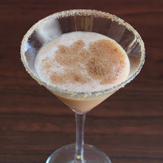 Pumpkin Pie Martini {MixThatDrink Original}.