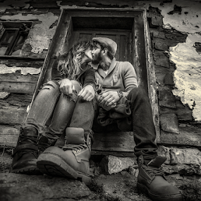 Just a kiss by Andrei Grososiu - People Couples ( blackandwhite, kiss, woman, couple, man )
