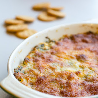 Sriracha Spinach Garlic Dip with Ritz Crackers for the Big Game Recipe