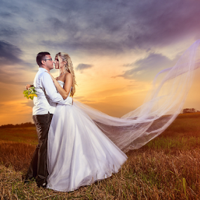 www.photo-fotograf.com by Dejan Nikolic Fotograf Krusevac - Wedding Bride & Groom ( wedding photography, vencanje, svadbe, weddings, vencanja, wedding dress, svadba, matrimony, wedding rings,  )