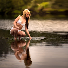 Reflections by IDG Photography - People Portraits of Women