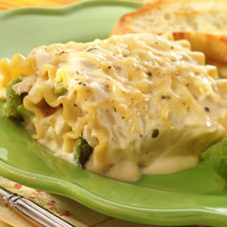 Alfredo Chicken & Asparagus Lasagna Roll-Ups