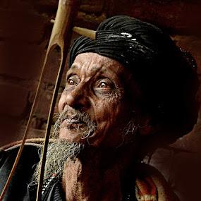 Singing Sage by Arnab Bhattacharyya - People Portraits of Men