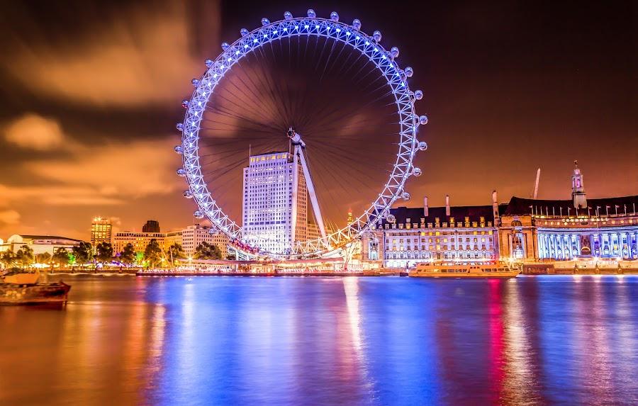 Night Lights of London Eye by Charles Ong - City,  Street & Park  Night (  )
