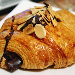 DIY Recipe | EASY Chocolate-Filled Croissants.