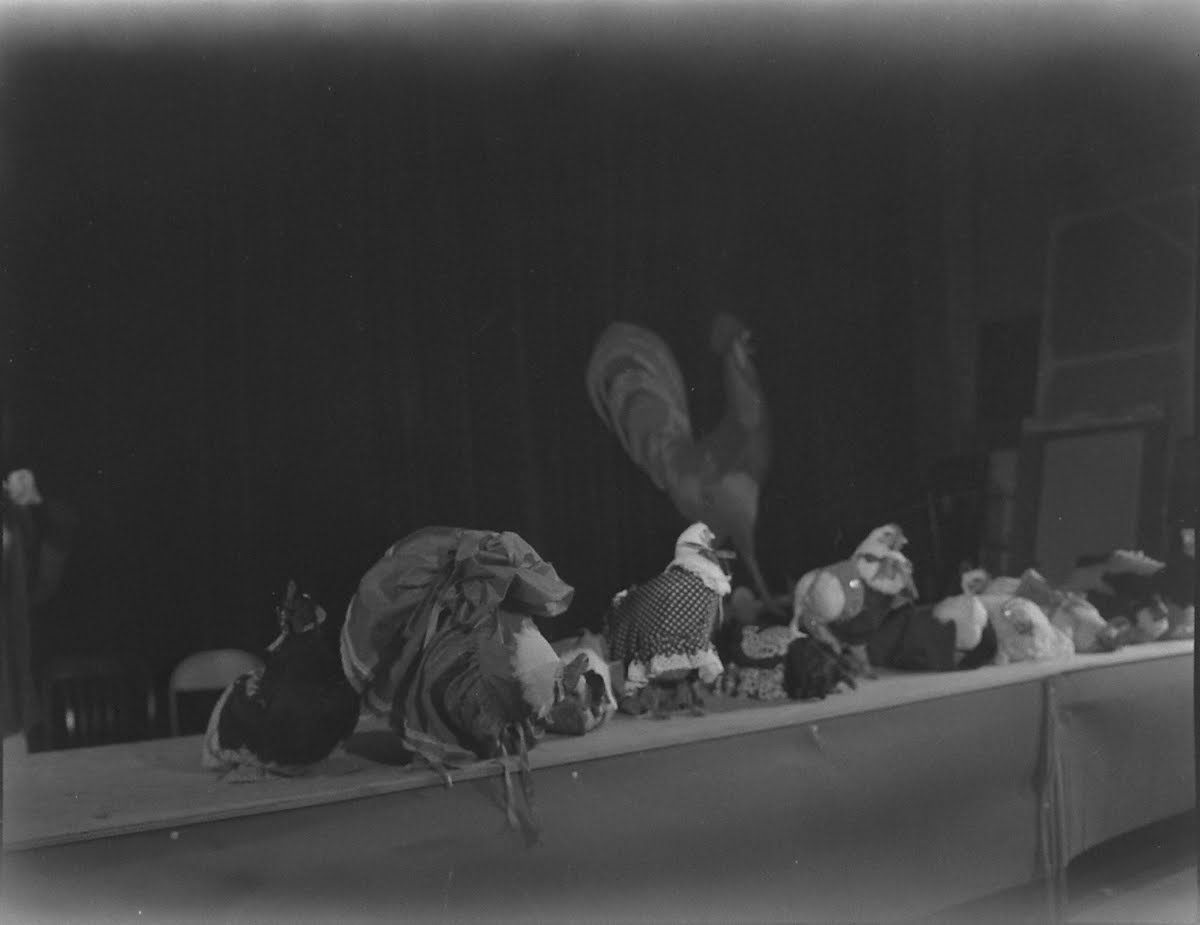 Warner-Pathe Rooster Crowing Contest, Oklahoma City