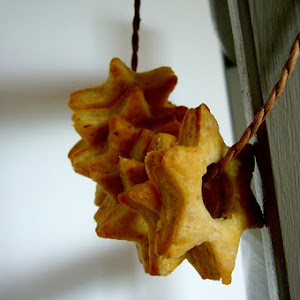 Crisp Goat Cheese and Fig Stars