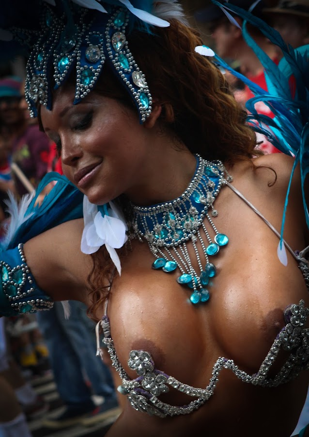 Mesmerized by VAM Photography - People Street & Candids ( parade, woman, nyc, places, , Model, Portrait, Untouched, Unedited, Non-photoshop )