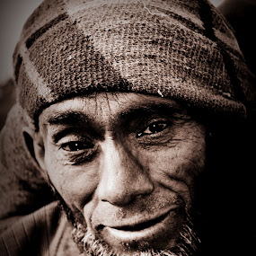pain by Parvesh Rana - People Street & Candids