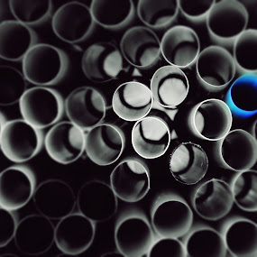 The outsider by Haavard Lien - Artistic Objects Still Life ( abstract curves, macro, blue, rings, straws )