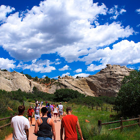 Garden of the Gods by Charles Saunders - Novices Only Street & Candid ( mountains, crowds, colorado, springs, garden of the gods, people, crowd, humanity, society )