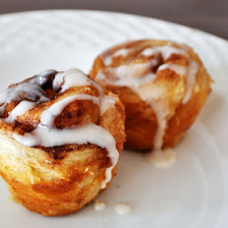 Mini Muffin Tin Cinnamon Rolls.