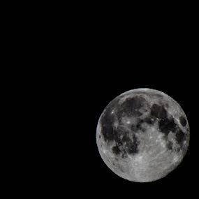 Moon by Fabio Grezia - Landscapes Starscapes