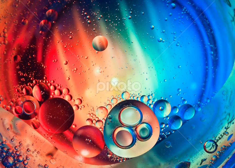 full colour by Robert Cinega - Abstract Water Drops & Splashes
